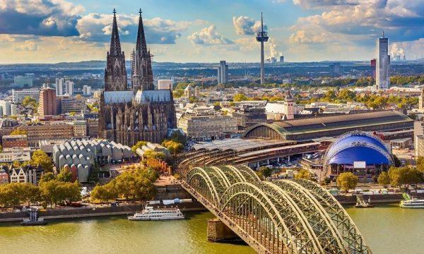 ONLINE City Dispatch: Köln/Düsseldorf with Dennis Hochköppeler