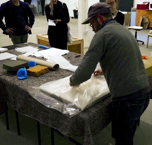 Toolkit: Taking Care of Artworks – An Introduction to Handling and Packaging
