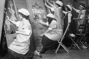 Salon: Zoe Thomas, Suffrage and the Arts